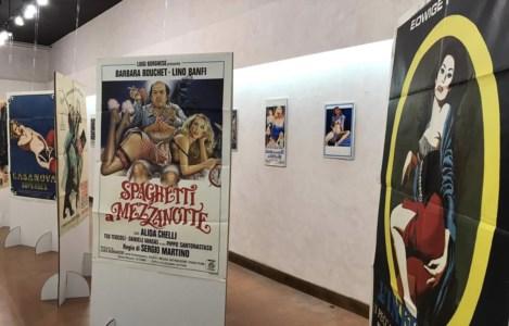 """""""Signorine Grandi Firme"""": a San Giovanni in Fiore una mostra dei manifesti del cinema del '900"""