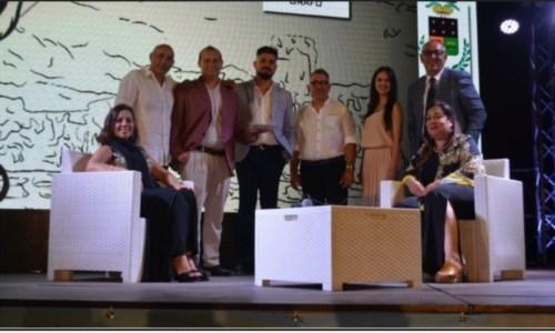 Eventi estiviIsola Capo Rizzuto, sul palco di Le Castella i vincitori della seconda edizione del Premio Aragona
