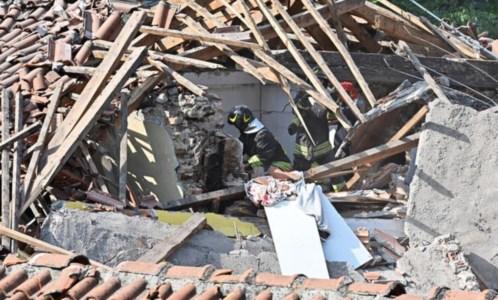 Edificio crollato a Torino, foto ansa