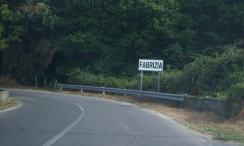 Covid nel Vibonese, a Fabrizia aumentano i contagi: dura ordinanza del sindaco