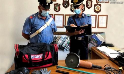 Il furtoGli svaligiano casa mentre è un matrimonio: due arresti nel Reggino