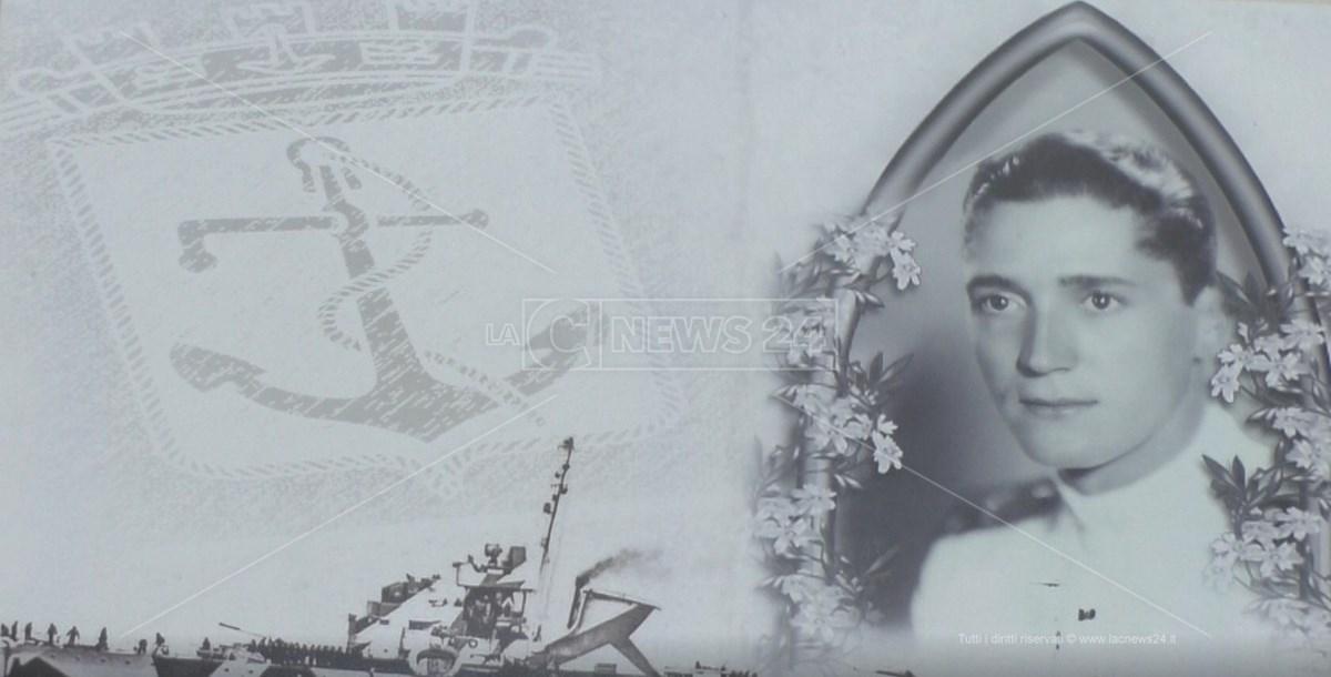 Sottotenente di vascello Alessandro Mondello, medaglia d'argento al Valore Militare