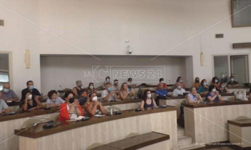 Terzo settoreCrotone, un centinaio di associazioni ai tavoli tematici su politiche sociali: «Sindaci assenti»