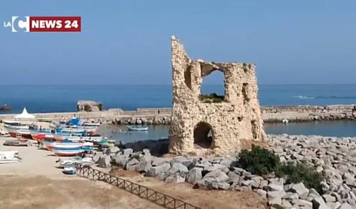 Calabria da scoprireBriatico, all'ombra della Torretta il mare restituisce un'antica vasca per la lavorazione del pesce