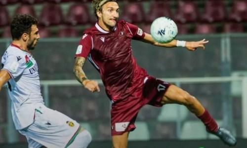 Accade  di tuttoSerie B,  Reggina-Ternana: spettacolo, gol ed espulsioni. Alla fine è 3-2