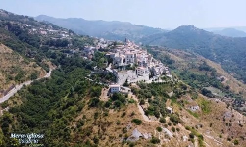 I format di LaC TvUltima punta di Meravigliosa Calabria estate alla scoperta di Belmonte