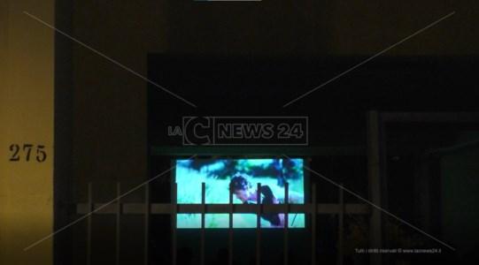 Cinema in cortile al 275 del Viale Calabria e Reggio