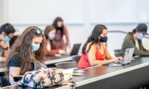 """Emergenza pandemiaAnche sei docenti Unical nella lista dei """"No green pass"""": uno di loro domani terrà gli esami"""