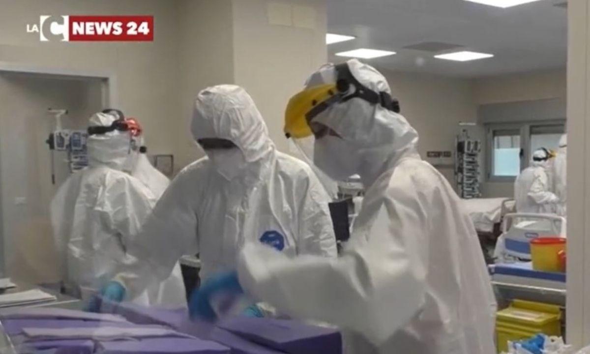 I sanitari del Gom impegnati con gli ammalati di Covid