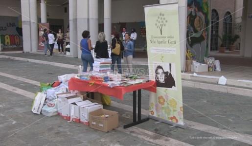 La raccolta di materiale scolastico organizzata a Rende