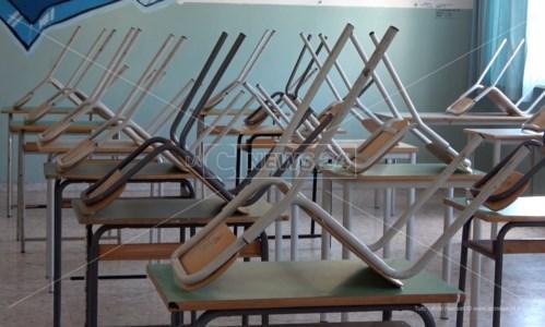 Emergenza pandemiaCovid, contagi tra i banchi: scuole chiuse in un comune del Vibonese