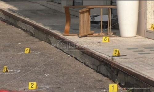 Il delittoOmicidio Scarriglia a Crotone: controlli nelle palazzine site nei pressi del luogo dell'agguato