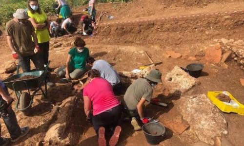 La sensazionale scopertaLaino Borgo, scavi alla ricerca dell'antica Laos: rinvenuti reperti di tipo urbano