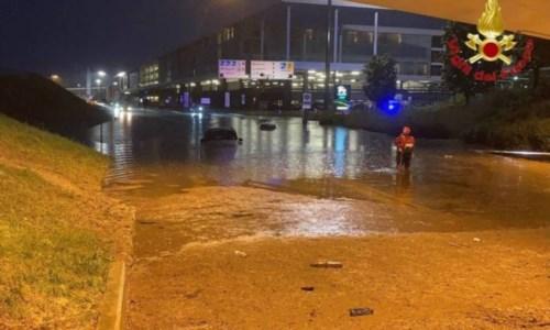 L'acqua fuori all'aeroporto di Malpensa