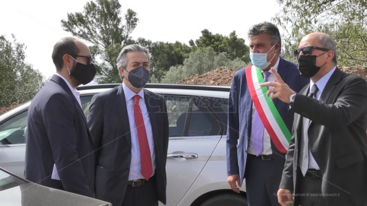 Il sottosegretario Battistoni all'inaugurazione del serbatoio idrico di Sellia: «L'acqua oro blu del futuro»