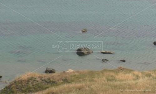 Mare inquinatoCrotone, divieto di balneazione in diversi tratti del litorale cittadino