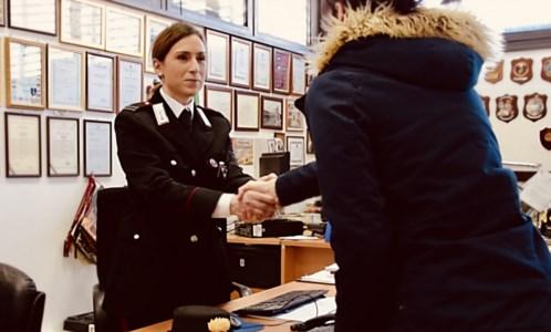 Gizzeria, aggredita dal compagno chiede aiuto ai carabinieri: arrestato 33enne