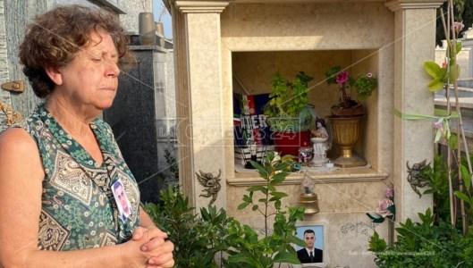 L'anniversarioOmicidio Carbone a Locri, mamma Liliana: «Giustizia negata, dopo 17 anni ancora nessuna verità»
