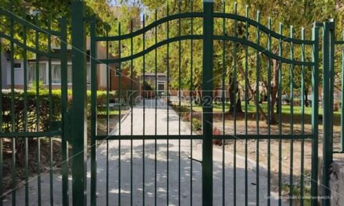 Ritorno in classeLa scuola Codignola di Crotone realizza un terzo ingresso: «Così evitiamo orari differenziati»