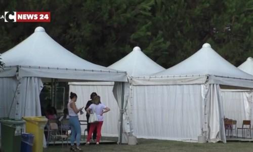 I gazebo-scuola allestiti a Porto Salvo, nel Vibonese