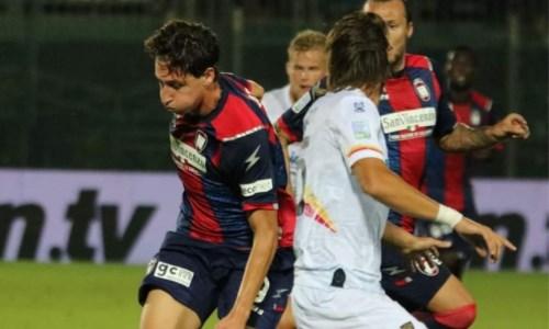 Nuova sconfittaSerie B, il Crotone affonda: allo Scida il Lecce vince 3-0
