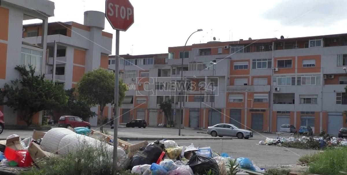 Discariche abusive nel Rione Marconi a Reggio Calabria