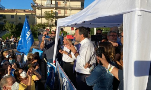 Matteo Salvini oggi a Schiavonea