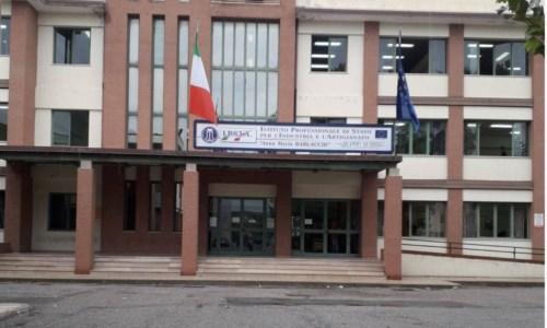 Crotone, cede parte di solaio in laboratorio dell'Ipsia: locali dichiarati inaccessibili già l'aprile scorso