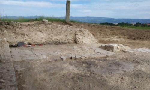 i resti di una stanza dell'antico chiostro