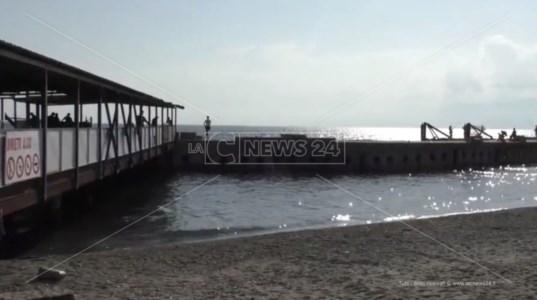 Infrastrutture abbandonateReggio Calabria, il pontile di San Gregorio doveva servire l'aeroporto invece giace nel degrado