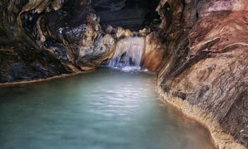 Meraviglie di CalabriaAlla scoperta delle grotte di Verzino, uno spettacolare tunnel naturale di 5 chilometri nel Crotonese
