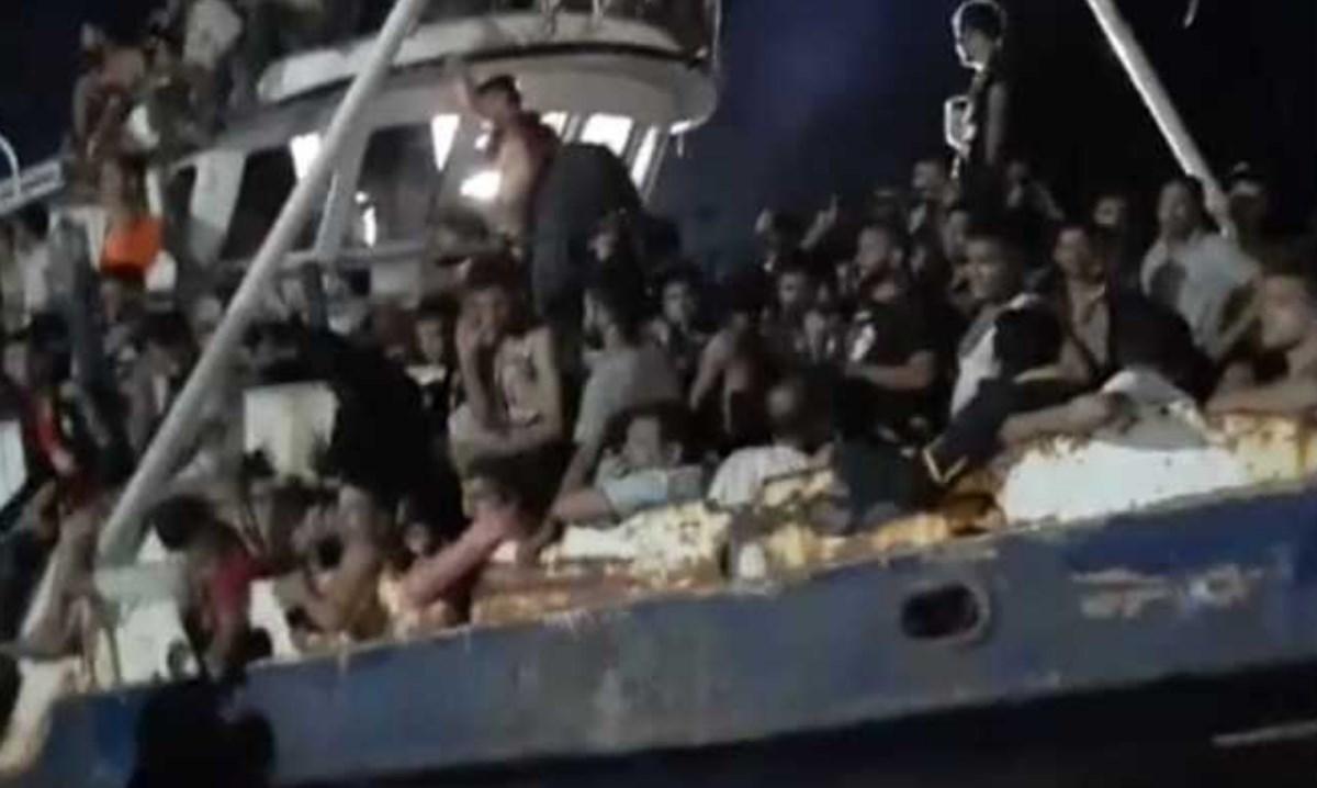 Sbarco a Lampedusa, foto ansa