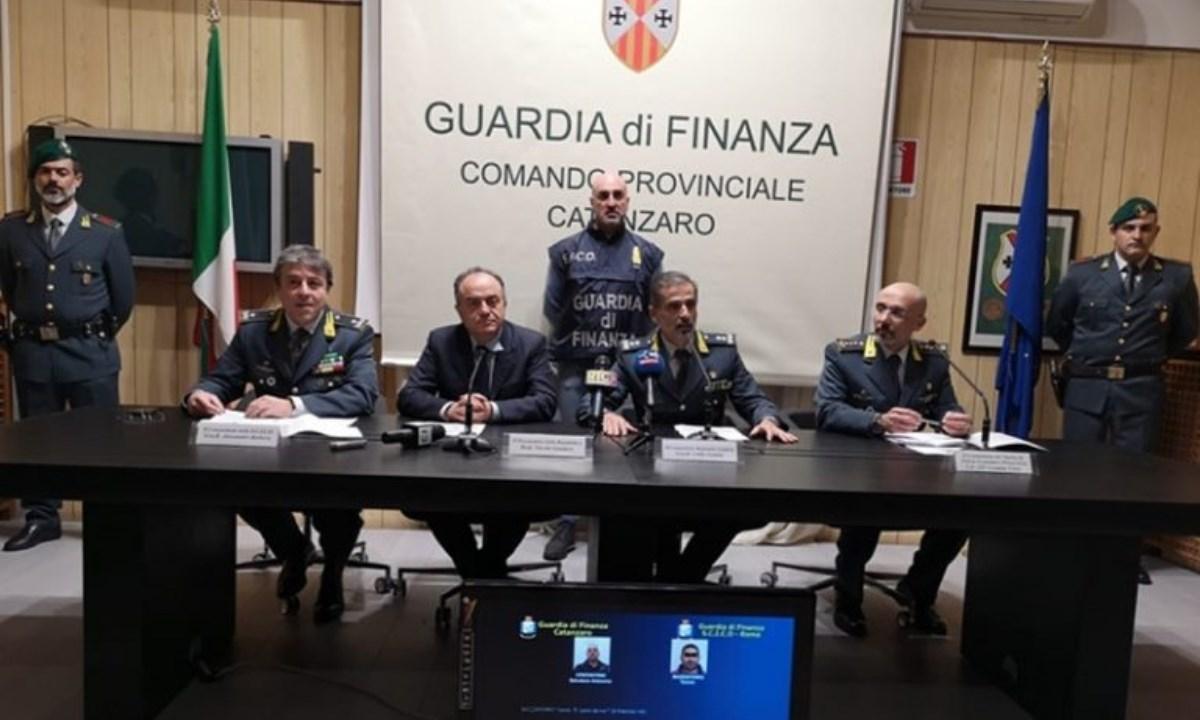 La conferenza stampa dell'operazione Ossessione