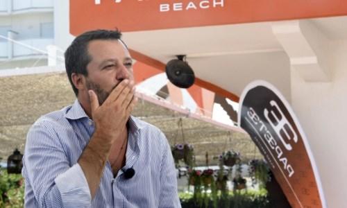 La provocazioneCovid, aumento della capienza di stadi e spettacoli. Salvini: «Bisogna aprire tutto, anche le discoteche»