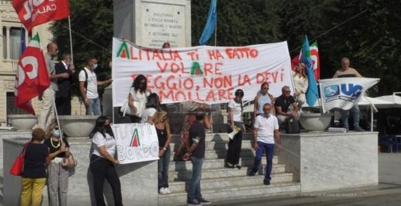 La protestaAeroporto di Reggio Calabria, i dipendenti Alitalia: «Preoccupa il silenzio di Ita solo su questo scalo»