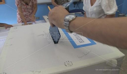 Comunali CalabriaCosenza, Caruso contro Caruso: il ballottaggio come un referendum sull'amministrazione uscente