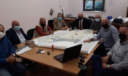 Crotone, viabilità nel quartiere Tufolo Farina: l'Amministrazione comunale incontra il comitato cittadino