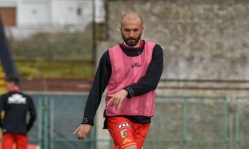Max Carlini durante il riscaldamento pre-partita