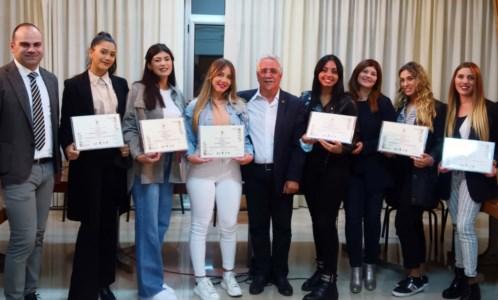 Il riconoscimentoSan Pietro a Maida, premiate le giovani modelle della mostra sul Rinascimento calabrese