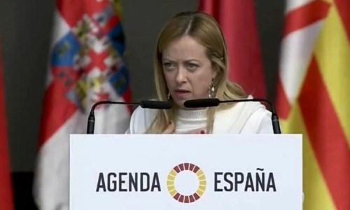 Giorgia Meloni a Madrid, il suo tormentone in spagnolo: «Yo soy Giorgia, soy una mujer…» - VIDEO