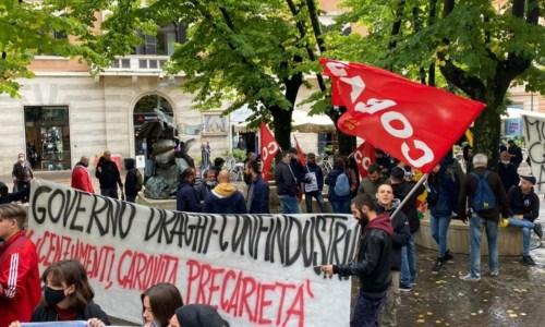 I manifestanti a Cosenza