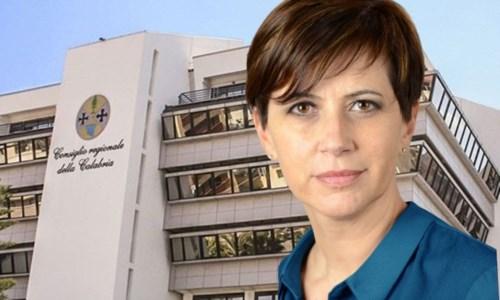 In primo piano Valeria Fedele