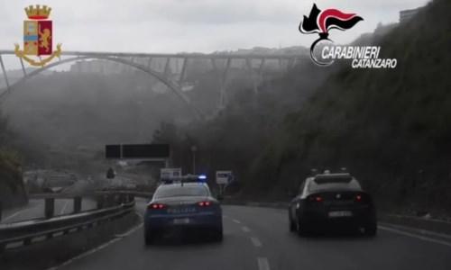 L'operazioneSpaccio di droga, armi ed estorsioni: arrestate 21 persone a Catanzaro