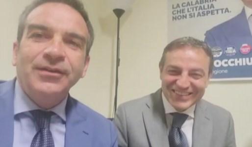 Amministrative Calabria 2021Ballottaggio Cosenza, Roberto Occhiuto scende in piazza per sostenere Francesco Caruso