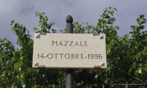 14 ottobreCorpi sollevati dal fango con le ruspe: nel racconto di chi c'era il ricordo dell'alluvione di Crotone
