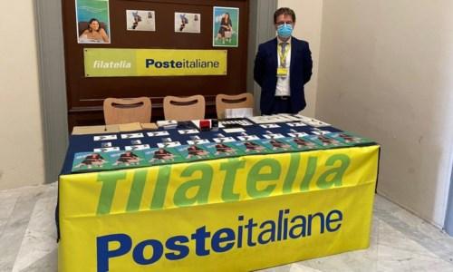 La presentazione all'ufficio postale di Cosenza
