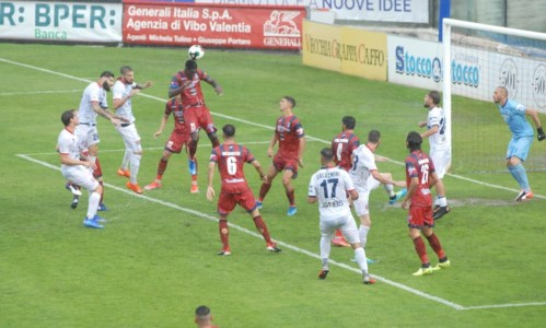 Calcio CalabriaVibonese ultima in classifica dopo 8 giornate: è necessario vincere contro il Latina