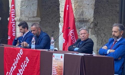 L'incontroA Corigliano-Rossano confronto sulla sanità, i sindacati: «Basta commissari ma attenzione all'ingerenza politica»