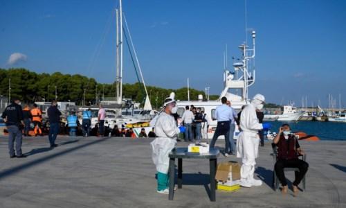 Lo sbarco di migranti del 21 ottobre a Roccella