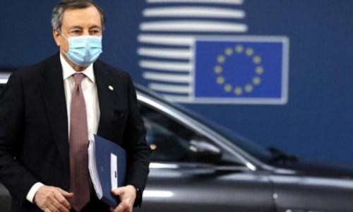 Lotta alla pandemiaVaccino anti-Covid, Draghi: «La terza dose sarà necessaria»